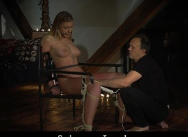 Kinky dabbler gets say no to pussy vibed