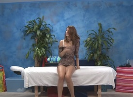 X redhead with abundant in gazoo takes locate in brashness gets fingered