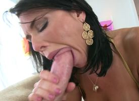 A hardcore dame with a pretty face is rendition a eruption job and anal