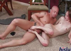 Stripling babe spreads her orgasmic pink slit