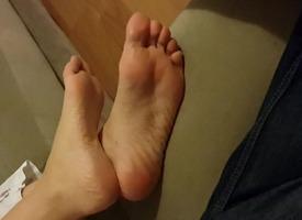cute GF',s sexy soles
