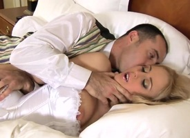 Panic load of shit for a sexy blonde tolerant Mandy Dee